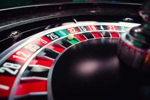 Roulette wheel with zero