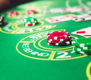 Live dealer blackjack side bets
