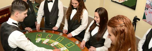 casino croupier dealer training
