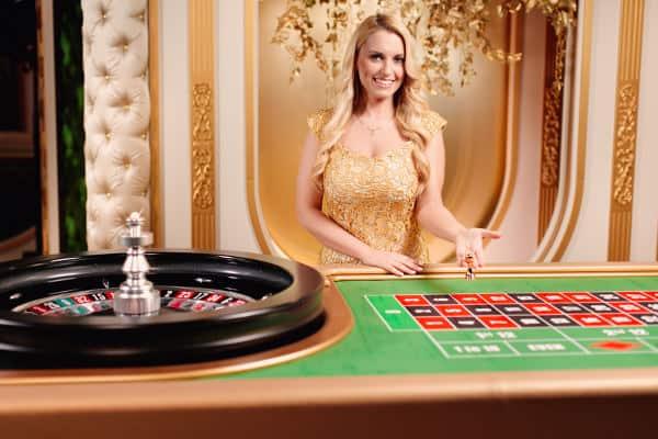 evolution salon prive live roulette blonde dealer