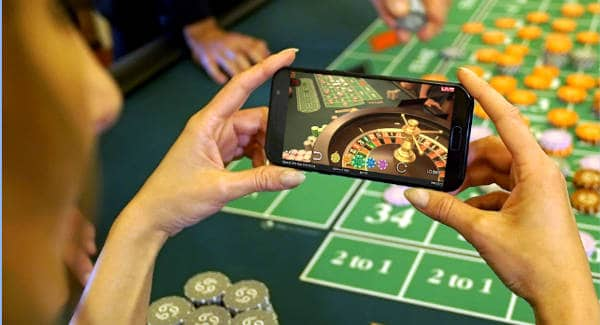 Authentic Royal Casino Roulette mobile