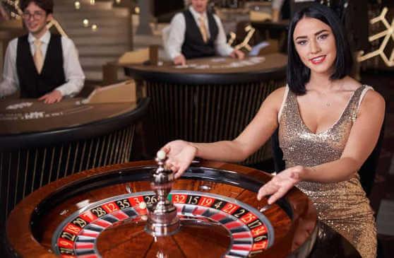 french roulette dealer